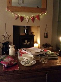 . Country Christmas, Christmas Home, Christmas Ideas, Christmas Crafts, Living Room Designs, Living Rooms, Cosy Lounge, Cosy Winter, Room Ideas