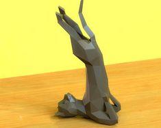 www.instagram.com/wondermingstudio by WonderMingStudio on Etsy Yoga Dog, Origami Cat, Paper Animals, Cat Statue, Paper Models, 3d Printing, Diy And Crafts, Sculptures, Cricut