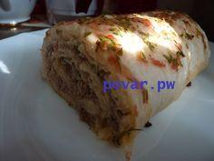 Рулет из лаваша с мясным фаршем и рисом  Армянский лаваш (тонкие листы) 400 г фарша 1 луковица  вареный рис  Для соуса: сметана майонез кетчуп укроп чеснок  помидор приправы и специи по вкусу  Фарш с луковицей и приправами пережарить. Перемешать фарш с соусом (для соуса смешать майонез, сметану, кетчуп, нарезанный укроп, выдавленный через чесночницу чеснок), также перемешать с соусом отваренный рис. Разложить один лист лаваша, выложить рис и распределить по листу. Сверху - второй лист…