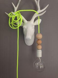 Lampe baladeuse cable textile jaune fluo et perles bois