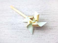 barette origami bleu doré de Shlomit Ofir