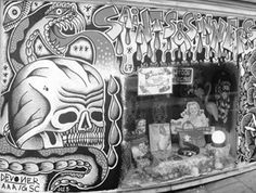 España // Madrid Estudio de tatuajes en Madrid Saints and Sinners  El estudio de tatuajes Saints and Sinners está situada en el centro de Madrid y fue creada en el año 2008. Además de los tatuajes podrás encontrar una tienda de ropa y complementos para estilos pin-up, punk rock y