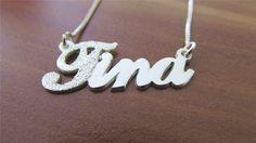 Verižica z imenom Tina http://bromelia.si/zenski-nakit/ogrlice/ogrlice-z-imenom