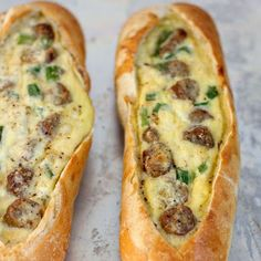Sausage Egg Boats [a great brunch OR breakfast for supper] Egg Recipes, Dinner Recipes, Egg Boats, Hamburger Stroganoff, Cooking Tips, Cooking Recipes, Pan Relleno, Breakfast Sausage Recipes, Think Food