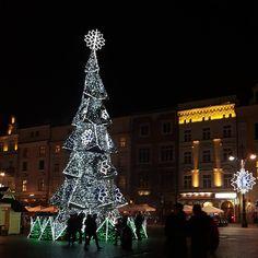 Mulled Wine, Christmas Mood, Krakow, Holiday Decor, Instagram Posts, Travel, Home Decor, Viajes, Decoration Home