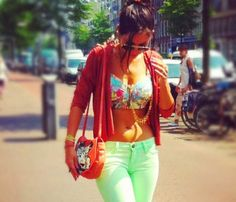 Yolanthe's photo: Love my flower power outfit! My Flower, Flower Power, Amsterdam, Must Haves, Capri Pants, Style Inspiration, Crop Tops, My Style