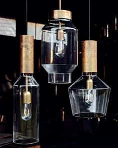 Glass & Brass = that cozy 1970s flair  Design-Hängeleuchten aus Glas und Messing, mit dezentem 70er-Jahre Flair