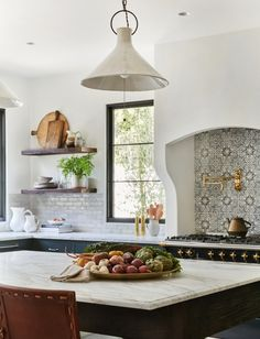 The full before and after reveal of Client What's The Story Spanish Glory, a Spanish-style home in California designed by Amber Lewis of Amber Interiors. Spanish Style Homes, Spanish House, Spanish Colonial, Spanish Style Kitchens, Spanish Modern, Spanish Revival, Kitchen Interior, Kitchen Design, Kitchen Ideas