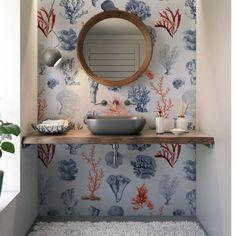 Mural Mar de Corales está creado con un elegante diseño para cambiar y personalizar tus estancias. Papel pintado digital personalizable: permite cambiar la dimensión del dibujo.  #Muralpapelpintado #Papelpintado #Papelpintadobano #Conpapelpintado Small Apartments, Small Bathroom, Sweet Home, Mirror, House, Furniture, Color, Bedroom, Home Decor