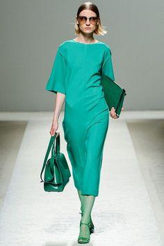 Max Mara green dress  #MFW  http://paperproject.it/fashion/mi-raccomando-tutti-vestiti-bene/milano-fashion-week-passerella-sfilate