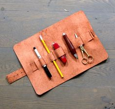 Instructable - DIY Leather Pencil Case