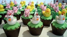 Mini cupcakes decorados fazendinha galinha patinho porquinho   http://www.docesdonajoaninha.com.br/
