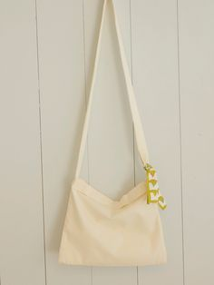 サッと持ち歩ける!持ち手付きサコッシュバッグの作り方 | nunocoto fabric