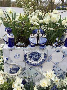 Delft blue theme