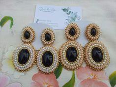 Aretes largos en cristales y perlas RD$750
