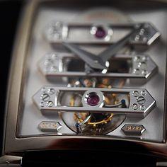 Upclose with the vintage 1945 tourbillon with 3 gold bridges #iconicdesign #crafstmanship #hautehorlogerie #horlogerie #horology #uhren #timepiece #tradition #tourbillon #reloj #relogios #womw #wotd #watches #watchgeek #watchnerd  #orologi #luxurywatches #luxury #swissmade #montre