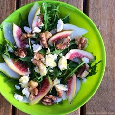 Fig and Pear walnut salad #eatclean http://frltcs.com/freeletics-eatclean for healthy recipes from the Freeletics nutrition guide.