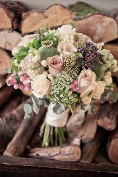 vintage roses together with hydrangea, poppy seed heads, astrantia, snowberry and herbs such as oregano, rosemary and dill. #weddingbouquet #pinkflowers #pinkbouquet