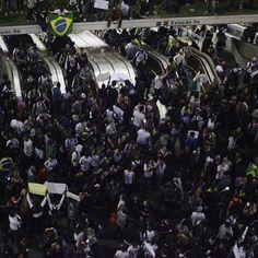 Globo e Veja viram alvo de manifestantes em novo ato em SP