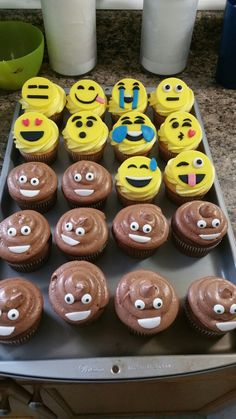 Emoji Cupcakes 325 Each Simple Emojis Only Minimum Order Of 12