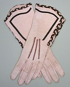 Brown Trimmed Pink Kid Gauntlet Gloves by Perrin NEW LISTING These great Perrin's kid gauntlets are pink kid with both plain brown and pink and brown pink braided leather trim. The ribs are pink and brown as well. A fancy pair of gloves, indeed. Vintage Gloves, Vintage Purses, Vintage Handbags, Jeanne Lanvin, 1930s Fashion, Vintage Fashion, Victorian Fashion, Fashion Fashion, Vintage Accessories