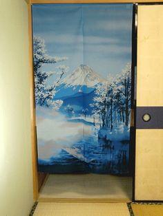 Noren Fujisan Fuyu Dimensions: 85cm x 150cm Made in Japan