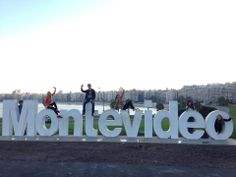 ¡¡Nuestros estudiantes conquistaron Montevideo!! Montevideo, Dramatic Arts, World Football, Political Satire, Daily Activities, The Locals, Filmmaking, Night Life, Prison