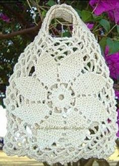 Pattern for knitting a crochet bag, in brown or white thread, to go shopping. Look what a beautiful crochet bag! Diy Crochet Bag, Crochet Market Bag, Crochet Chart, Easy Crochet, Crochet Handbags, Crochet Purses, Knitting Patterns, Easy Patterns, Crochet Slippers
