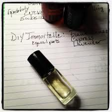 Make Your Own Brand Name EO Blends! Immortelle (Anti-aging salve), Thieves Blend (immune system), Aroma Touch (sore muscles)