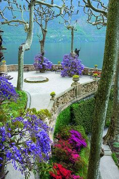 The colourful garden at Villa del Barbianello in Tremezzina, Italy. Photo: Marianne Majerus.