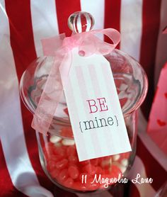 Printable Valentine's Day tags and other easy projects for Valentine's Day from 11 Magnolia Lane.