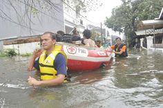 Sampai dngn saat ini  sebanyak 15 warga yg terdiri dari lansia & anak-anak berhasil di evakuasi cc : @palangmerah