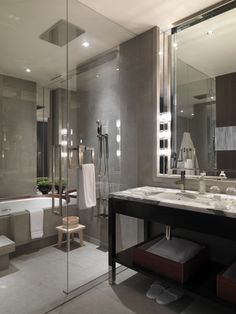 ♔ Bathroom.  Love a tub in the shower.