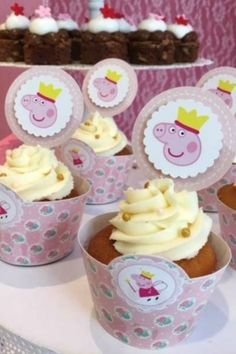 Don't miss this adorable Peppa Pig birthday party! The cupcakes are wonderful! See more party Pig Birthday, Birthday Cake Girls, Birthday Parties, Pig Cupcakes, Cupcake Cakes, Cupcake Flavors, Beautiful Cupcakes, Pig Party, Poke Cakes