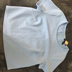 Blue zip up crop top Light Blue texturized crop top *lightly worn(once)* *dry clean only* Forever 21 Tops Crop Tops