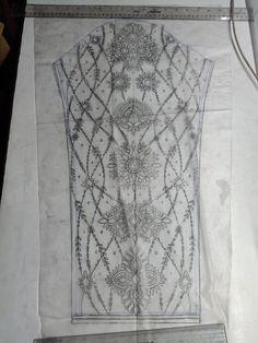 Hand Embroidery Designs, Embroidery Patterns, Green Velvet Dress, Blouse Designs Silk, Pakistani Dresses, News Design, Outline, Designer Dresses, Stitches