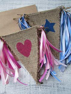Jute vlaggenlijn met naam/tekst samenstellen | Kraamcadeau | Naamslinger | Baby | Te bestellen bij www.evice.nl