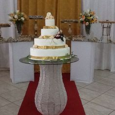 Bolo cenográfico para bodas de ouro #bolocenografico#bodasdeouro