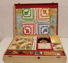 Quand on ouvrait la boite magique, dedans, il n'y avait  pas d'ordinateur... / Boite de jeux vintage.