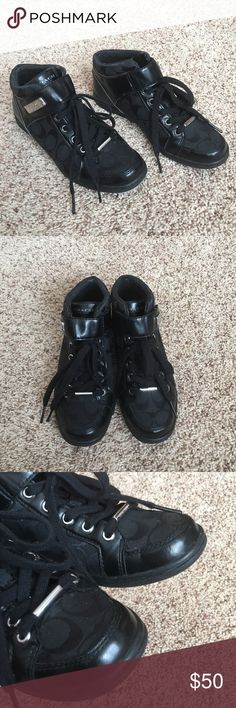 Authentic Coach Signature Shoes Authentic! Don't miss these beautiful signature black shoes from Coach 💕 Size 7 and very comfortable! In very good condition. NO TRADE ❌ Coach Shoes