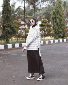 Splendid Hijab Ideas For Working Retro Outfits, Modest Outfits, Modest Fashion, Skirt Fashion, Hijab Fashion, Fashion Outfits, Modest Clothing, Latest Fashion For Women, Trendy Fashion