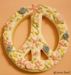 peace cookies....wish I was good enough to do this!!