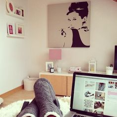 1000 images about room decor on pinterest marilyn for Audrey hepburn bedroom ideas