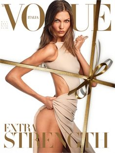 44 covers Vogue Portugal September by David Sims. Vogue Italia October and Vogue Korea December Vogue Italia January by Steven Meisel. Vogue China March by Patrick Demarch… Vogue Covers, Vogue Magazine Covers, Fashion Magazine Cover, Fashion Cover, Vogue China, Steven Meisel, Karlie Kloss, Vogue Korea, Glamour