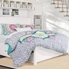 Whether your style is simple or bold, Pottery Barn Teen's girls duvet covers will let your personality show. Find bold colored and printed duvet covers for twin, full, queen and king beds. Cool Girl Bedrooms, Girls Bedroom, Bedroom Decor, Bedroom Ideas, Bedding Decor, Bedroom Designs, My New Room, My Room, Girl Room