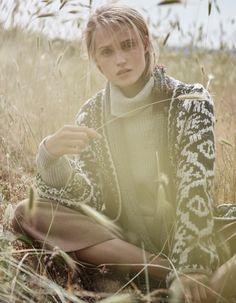Madame-Magazin-August-2017-Eliza-Kukawska-by-Thanassis-Krikis-3.jpg