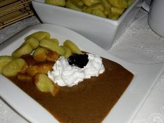 Povidlová omáčka / Jam souce Sauces, Pancakes, Pudding, Cream, Breakfast, Desserts, Food, Flan, Postres