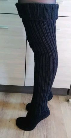 Cable Knit Socks, Knitting Socks, Thigh High Socks, Thigh Highs, Cute Dresses, Cute Outfits, Tall Socks, Argyle Socks, Tricot