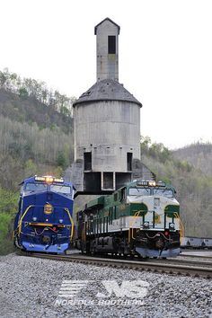 The Norfolk and Western and the Southern heritage units meet in West Virginia. Train Car, Train Tracks, Train Rides, Southern Heritage, Norfolk Southern, Jet Ski, Simplon Orient Express, Diesel, Tramway