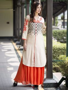 Shop Cream cotton printed kurti online from G3fashion India. Brand - G3, Product code - G3-WKU3019, Price - 1520, Color - Cream, Fabric - Cotton,